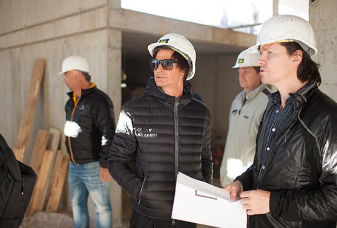 Dolomitenbad politiker beim lokalaugenschein for Stellenanzeigen architekt