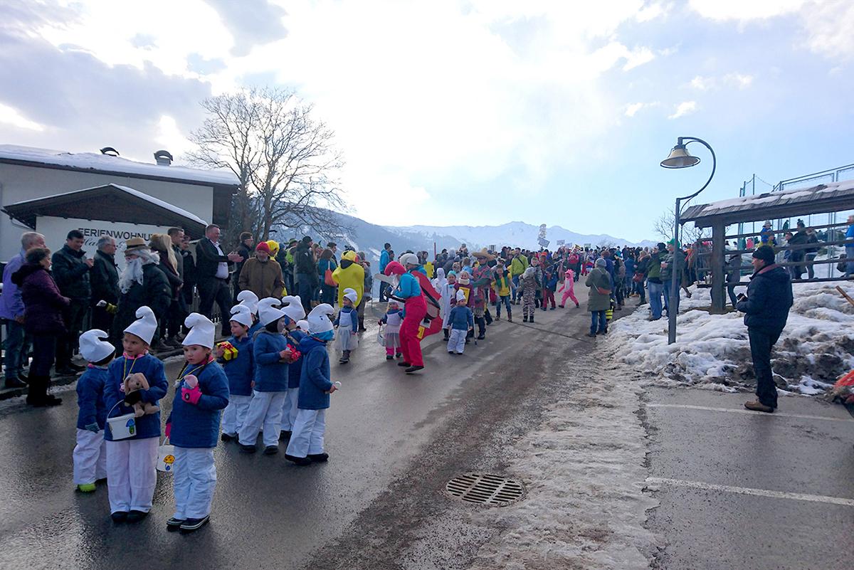 Thurn Das War Der Sonnseitner Faschingsumzug 2018 Dolomitenstadt At