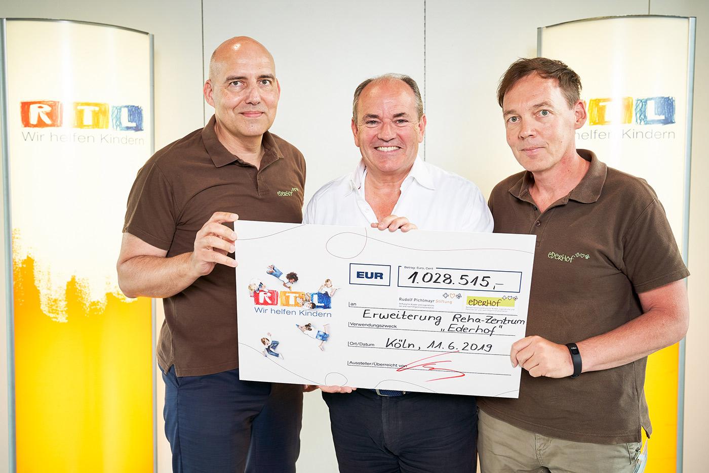 Rtl Weihnachten 2019.Eine Million Euro Spendengeld Für Den Ederhof Dolomitenstadt At